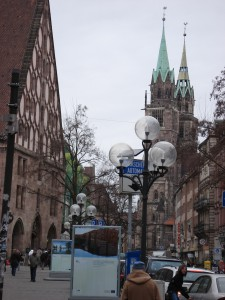 ニュールンベルクの町並みと聖ローレンツ教会
